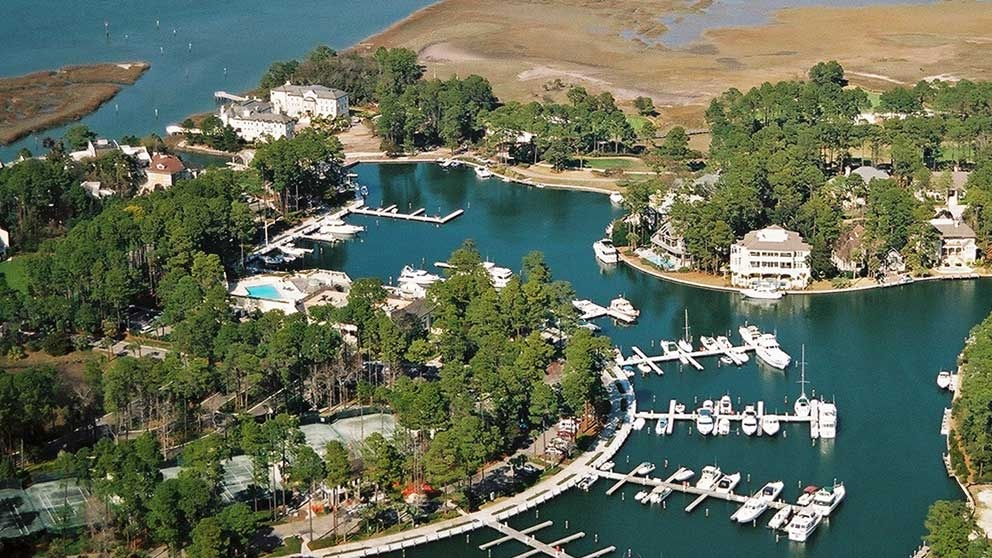 Aerial Photo of the homes and boat docks in Wexford, SC