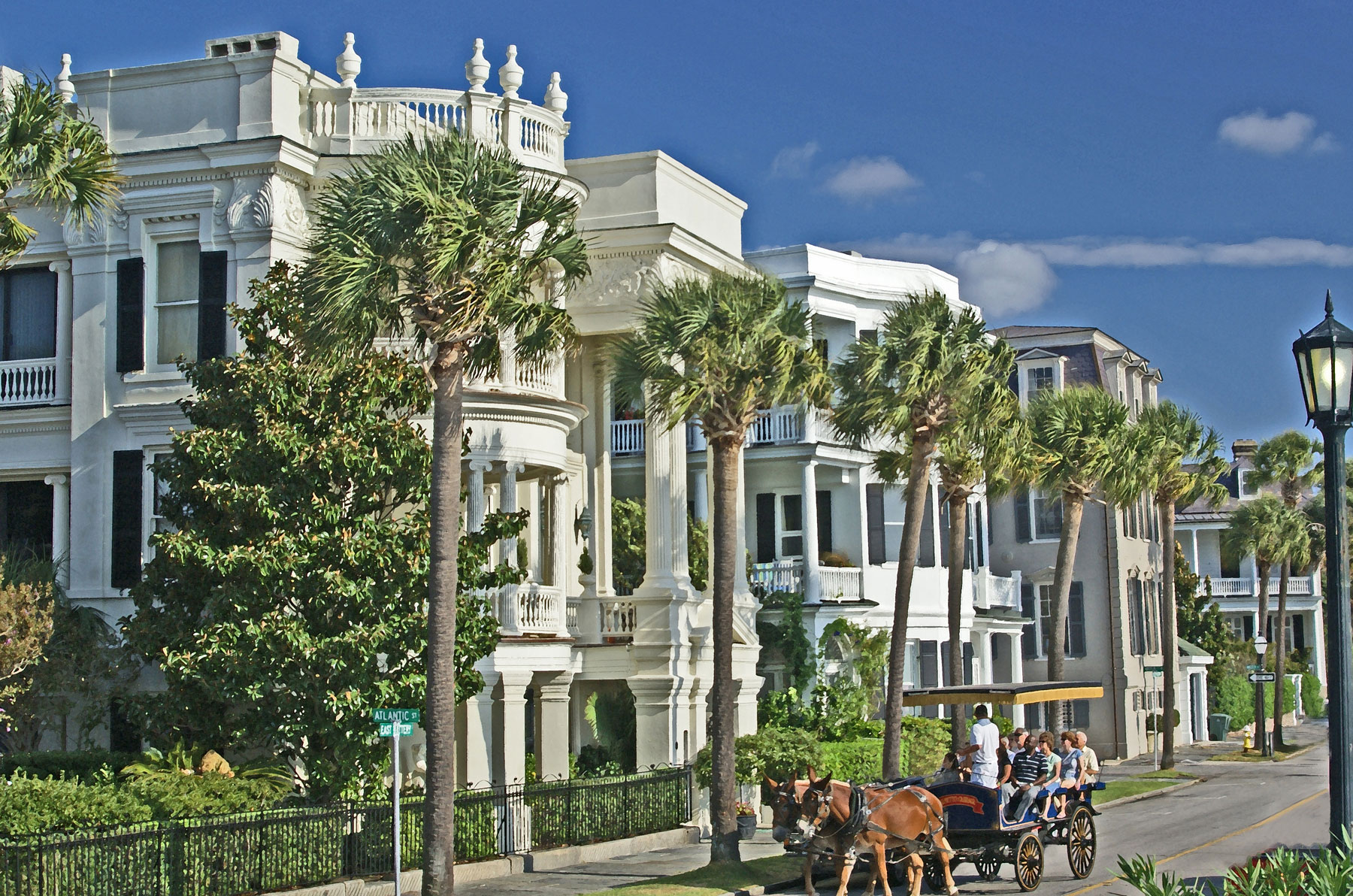 Historic Charleston South Carolina That Includes Architecture and